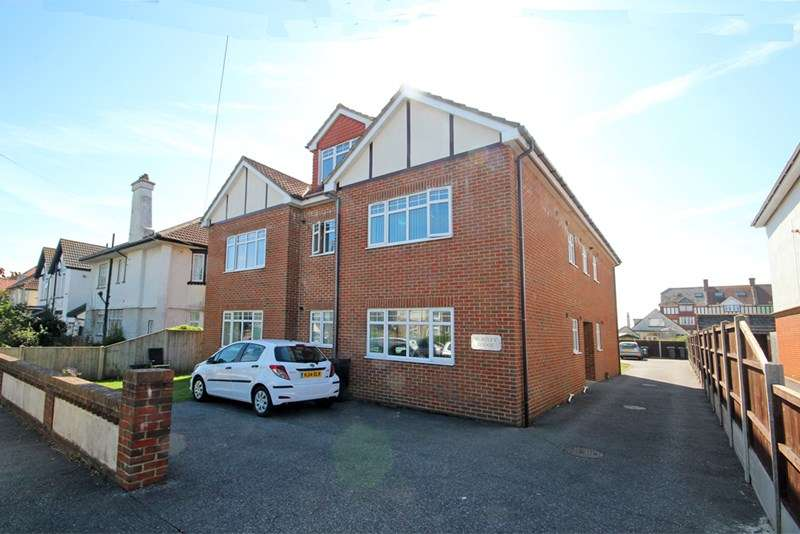 2 Bedrooms Flat for sale in Burtley Road, Southbourne, Bournemouth