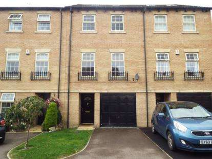 4 Bedrooms Town House for sale in Stockwell Avenue, Kiveton Park, Sheffield, South Yorkshire