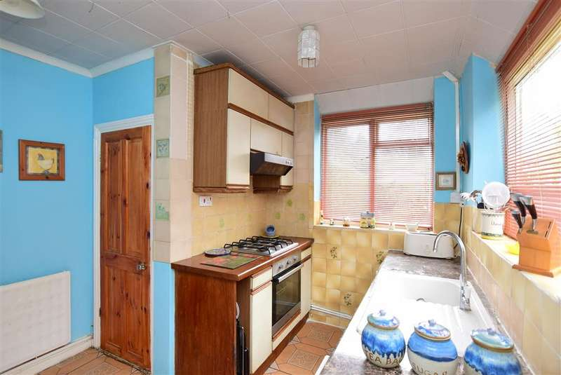 4 Bedrooms Semi Detached House for sale in Cromwell Road, Canterbury, Kent