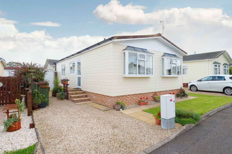 2 Bedrooms Park Home Mobile Home for sale in Cunninghamhead Estate, Cunninghamhead, Kilmarnock, Ayrshire, KA3 2PE