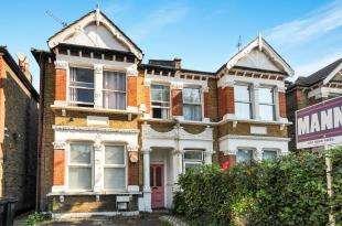 3 Bedrooms Maisonette Flat for sale in Brownhill Road, London