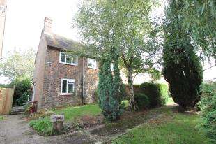 3 Bedrooms Semi Detached House for sale in June Meadows, Midhurst, West Sussex