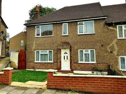 2 Bedrooms Flat for sale in Uphill Drive, Kingsbury, London, Uk