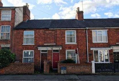 2 Bedrooms Terraced House for sale in Wolverton Road, Stony Stratford, Milton Keynes, Bucks