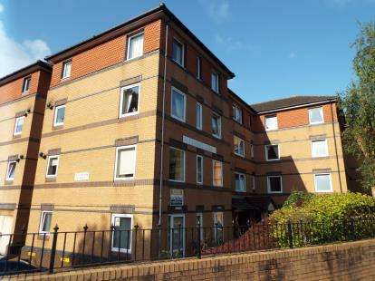 1 Bedroom Flat for sale in 3 Durley Chine Road, Bournemouth, Dorset