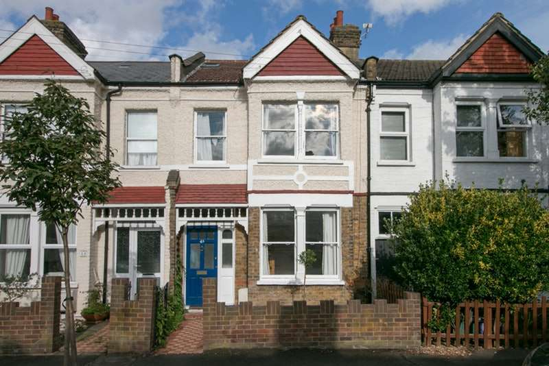3 Bedrooms Terraced House for sale in Clifton Park Avenue, London, London, SW20