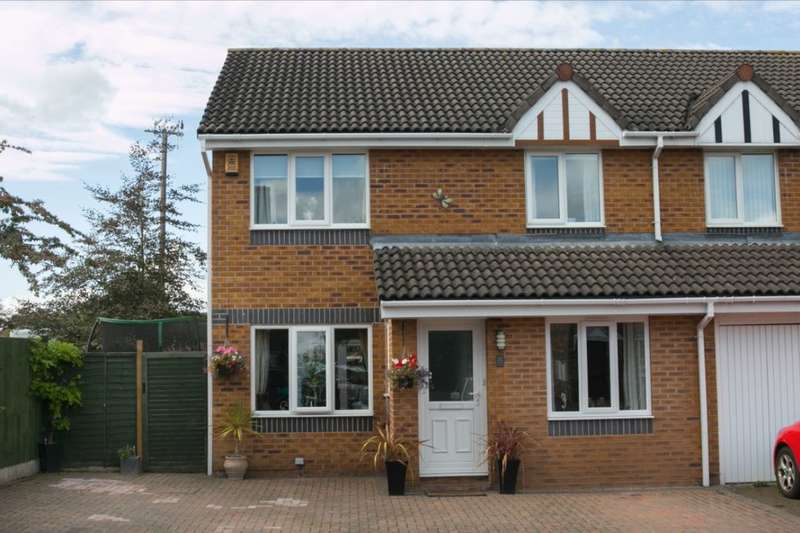 3 Bedrooms Semi Detached House for sale in Milton Close, Middlewich, CW10