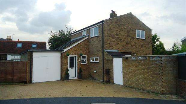 3 Bedrooms Detached House for sale in Tor-Bay, Quainton