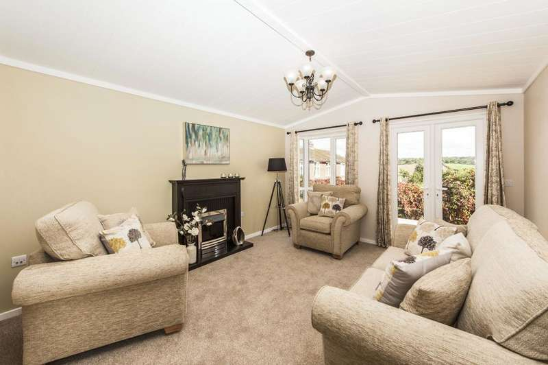 2 Bedrooms Park Home Mobile Home for sale in Covert Road, Northchurch, Hertfordshire, HP4 3ST