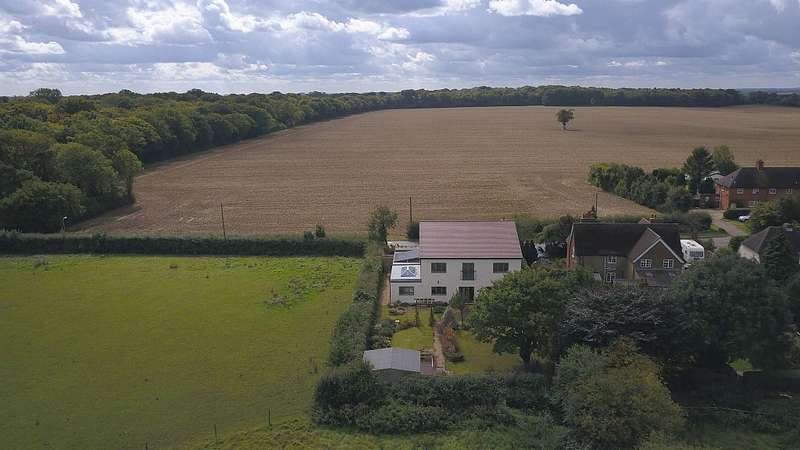 5 Bedrooms Detached House for sale in Park Lane, Old Knebworth, Knebworth, Hertfordshire, SG3 6PP