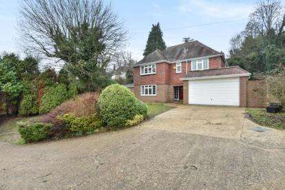 5 Bedrooms Detached House for sale in Fox Lane, Keston