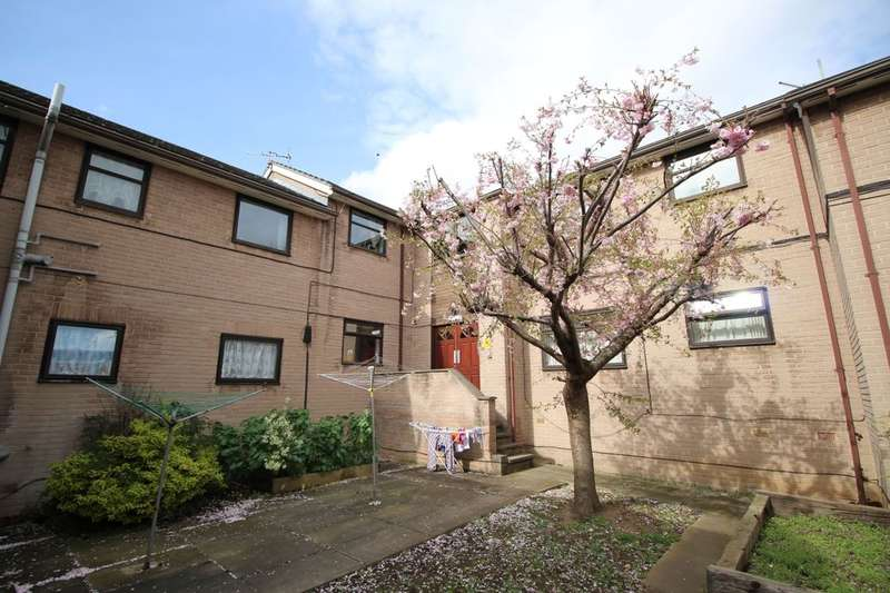 1 Bedroom Flat for sale in Tollgate Court, Sheffield, S3