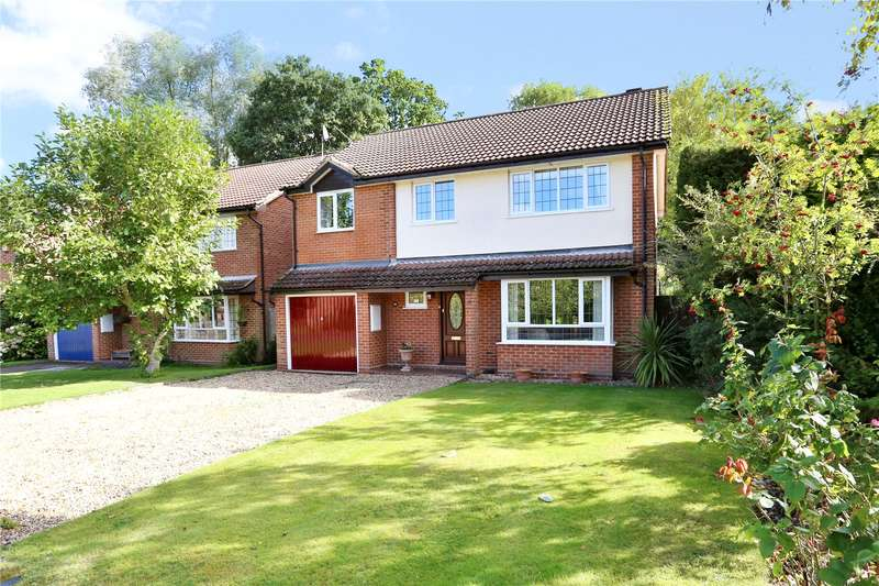 5 Bedrooms Detached House for sale in Malthouse Close, Church Crookham, Fleet, GU52
