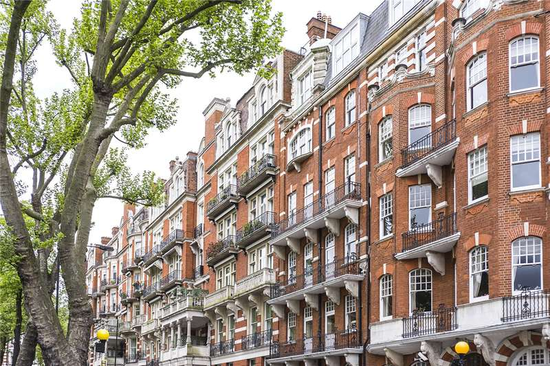 3 Bedrooms Flat for sale in Campden Hill Court, Campden Hill Road, London, W8
