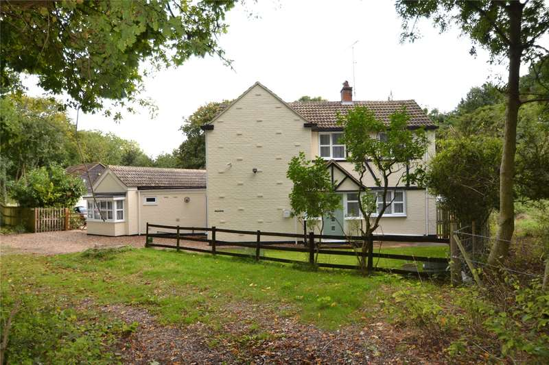 3 Bedrooms Detached House for sale in Bath Road, Kiln Green, Berkshire, RG10