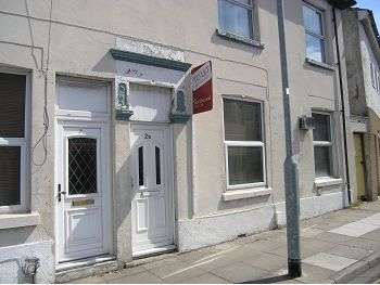 1 Bedroom Flat for sale in Seagrove Road, Stamshaw, Portsmouth, PO2 8AZ
