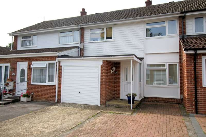 3 Bedrooms Semi Detached House for sale in Eastbrook Close, Park Gate, Southampton, SO31