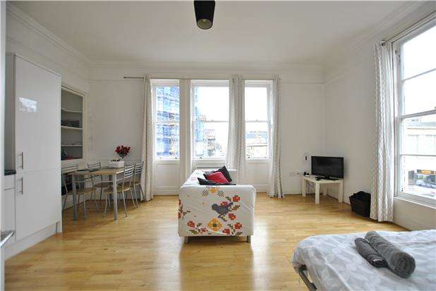 1 Bedroom Flat for sale in Charles Street, BATH, Somerset, BA1 1HX