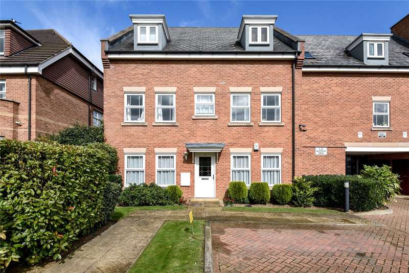 2 Bedrooms Apartment Flat for sale in Flat 1, Gladstone Court, 4 Wood Lane, Ruislip, HA4