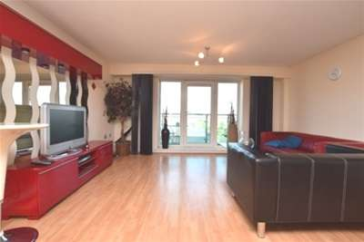 3 Bedrooms Flat for rent in Royal Plaza, 2 Westfield Terrace, S1 4GG