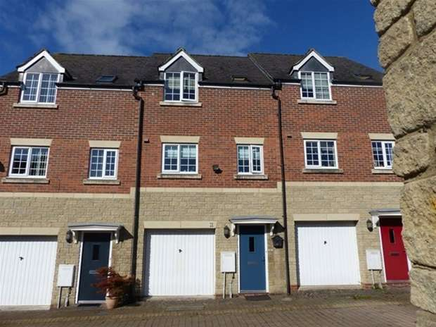 3 Bedrooms Terraced House for sale in Giles Hollow, Warminster