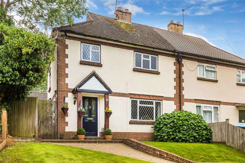 3 Bedrooms Semi Detached House for sale in Farleigh Road, Warlingham, Surrey, CR6