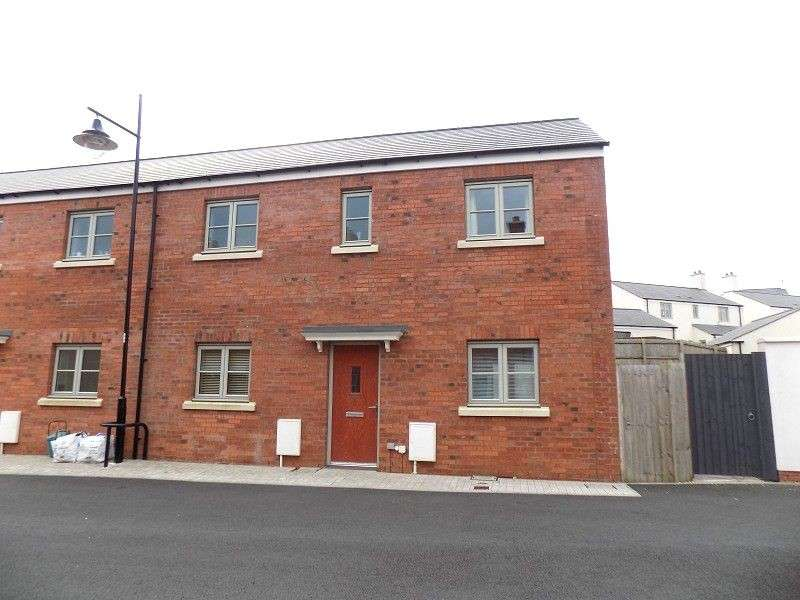 3 Bedrooms Semi Detached House for sale in Lon Y Grug , Llandarcy, Neath, Neath Port Talbot. SA10