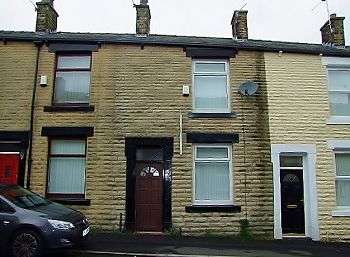 2 Bedrooms Terraced House for sale in Tudor Street, Shaw, Oldham, OL2 7RX