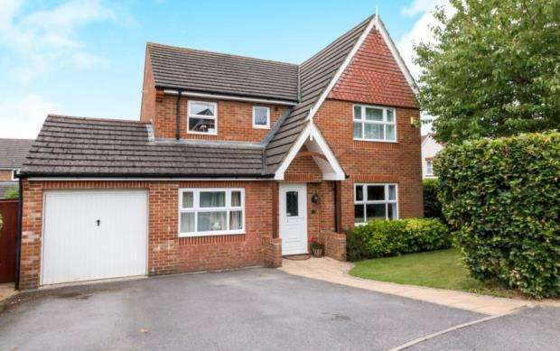 5 Bedrooms Detached House for sale in Chineham, Basingstoke, Hampshire