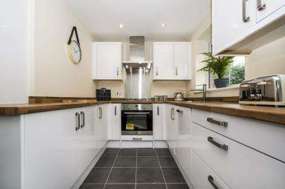 2 Bedrooms Semi Detached House for sale in Hayman's Corner, Mansfield Woodhouse, Nottinghamshire