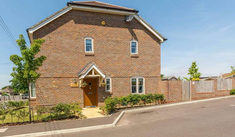 2 Bedrooms Detached House for sale in Portsmouth Road, Bursledon, Southampton SO31