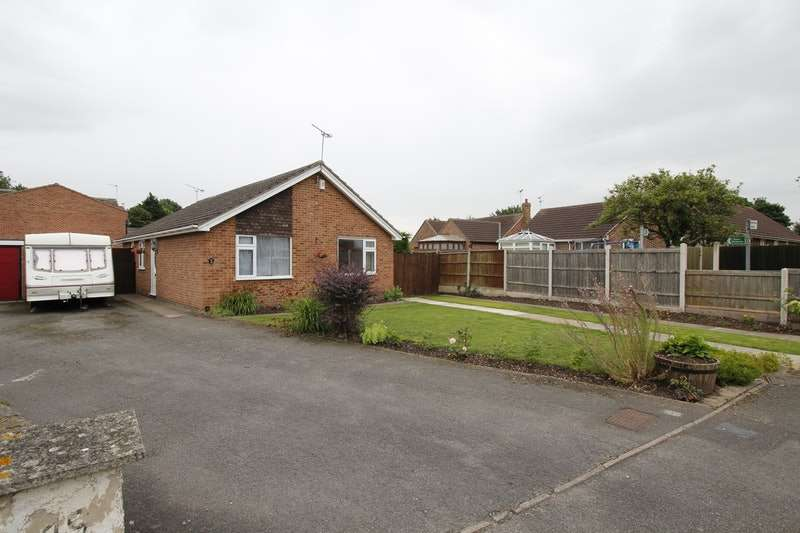 2 Bedrooms Bungalow for sale in South View Drive, Retford, Nottinghamshire, DN22