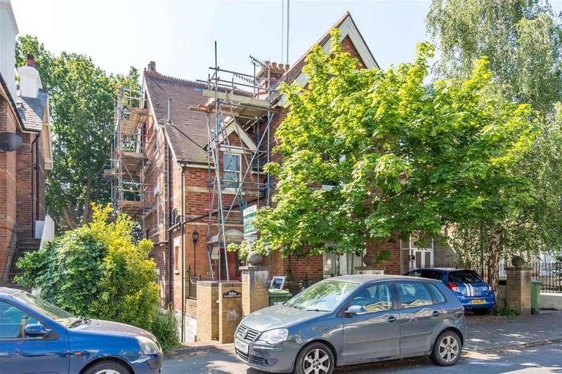 2 Bedrooms Flat for sale in Woodbury Park Road, Tunbridge Wells
