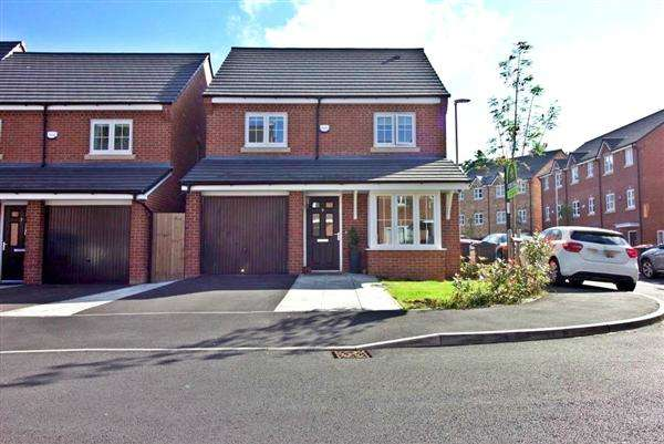 4 Bedrooms Detached House for sale in Racecourse Way, Salford