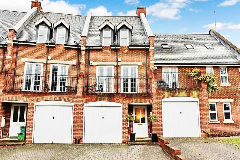 4 Bedrooms Town House for sale in Strawberry Crescent, Naspsbury Park