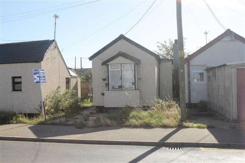 2 Bedrooms Detached Bungalow for sale in Broadway, Jaywick