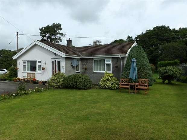 2 Bedrooms Detached Bungalow for sale in Pontrhydfendigaid, Ystrad Meurig, Ceredigion