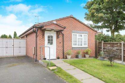 1 Bedroom Bungalow for sale in Barn Green, Wolverhampton, West Midlands