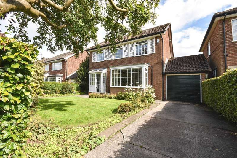 3 Bedrooms Detached House for sale in CLIFFORD ROAD, POYNTON