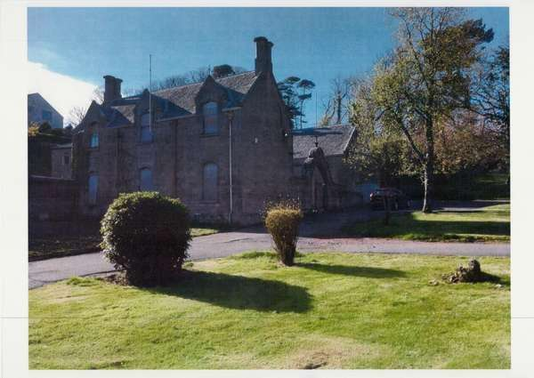 1 Bedroom Villa House for sale in The Stables, Coachhouse 2 Clifton Street, Garrison Grounds, Millport, KA28 0DG