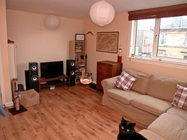 3 Bedrooms Flat for sale in Flat 3, 69 West Princes Street, Helensburgh, G84 8BL