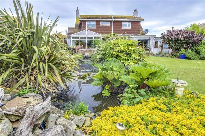 4 Bedrooms Detached House for sale in Mayfield Avenue, Peacehaven