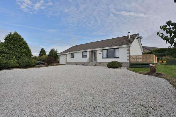 3 Bedrooms Detached Bungalow for sale in Lauderdale Ayr Road, Lanark, ML11 9NP