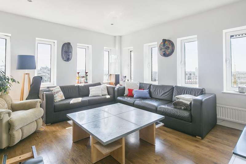 2 Bedrooms Flat for sale in Coral Row, SW11