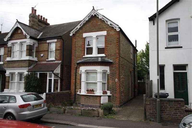 3 Bedrooms Link Detached House for sale in Puller Road, High Barnet, Herts, EN5