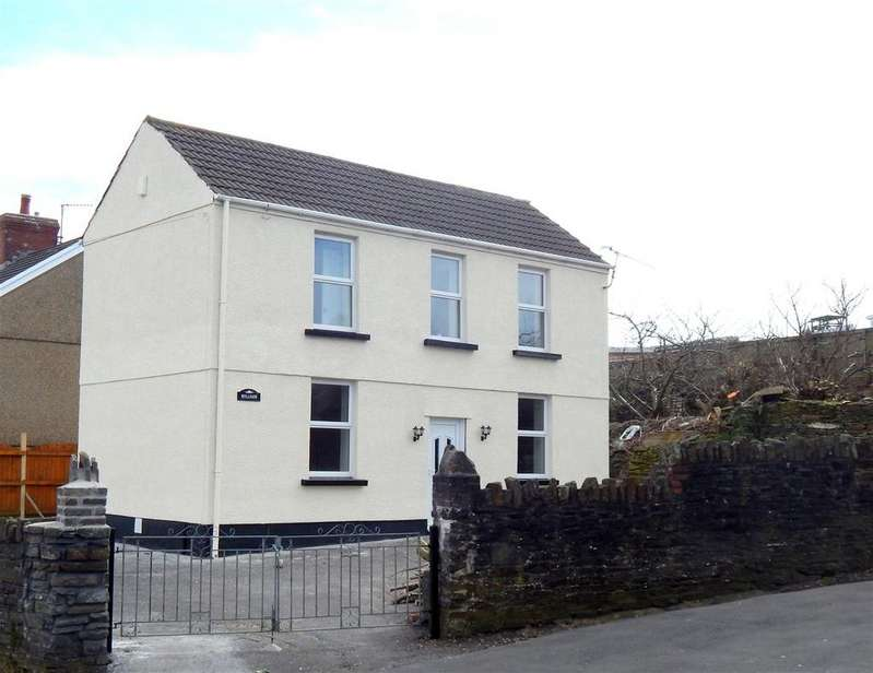3 Bedrooms Detached House for sale in Crymlyn Road, Llansamlet, Swansea