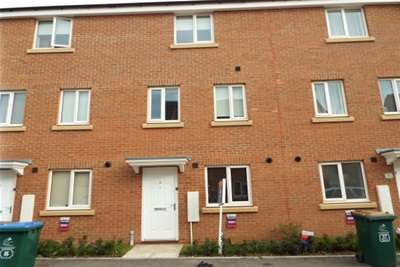 4 Bedrooms Town House for rent in Signals Drive,New Stoke Village,CV3,Coventry