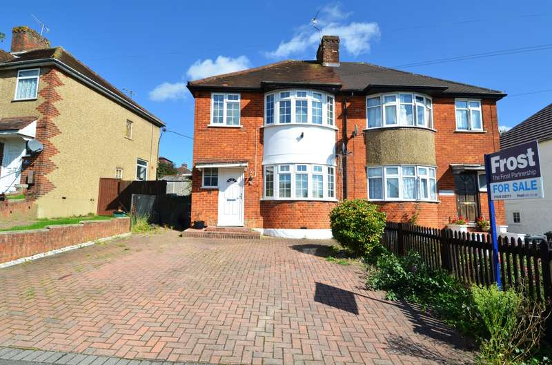 3 Bedrooms Semi Detached House for sale in Melbourne Road, High Wycombe, HP13