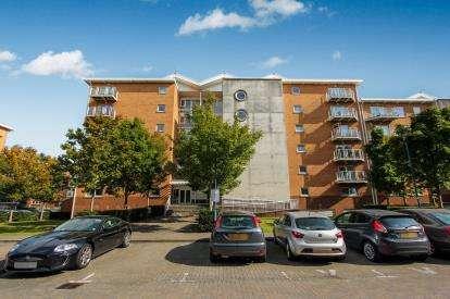 1 Bedroom Flat for sale in Geneva House, Penstone Court, Century Wharf, Cardiff Bay