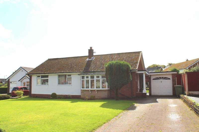 3 Bedrooms Bungalow for sale in Longridge Crescent, Bolton